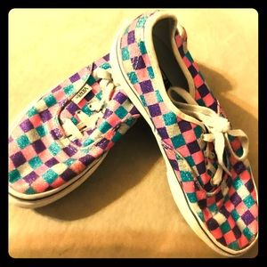 Girl's checkered vans!